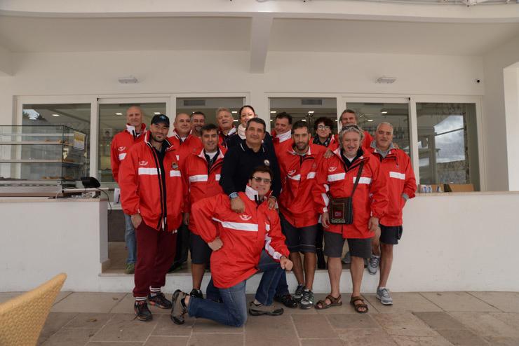 Il team di subacquei che ha partecipato alla spedizione