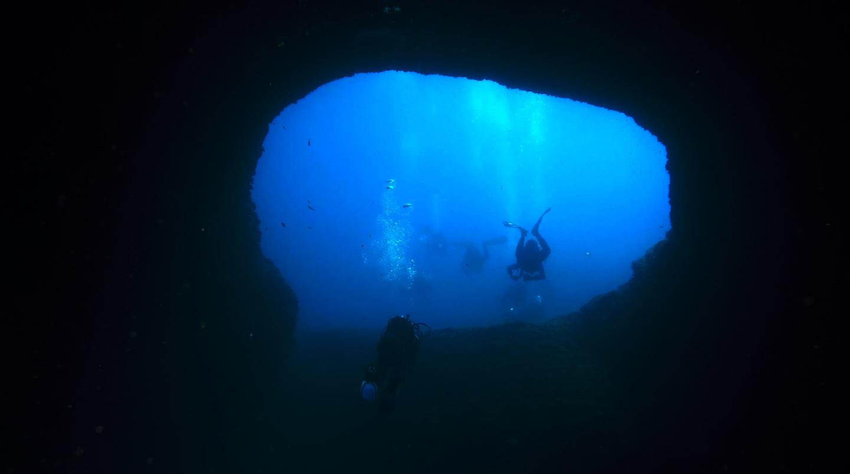 L'ampia uscita della grotta