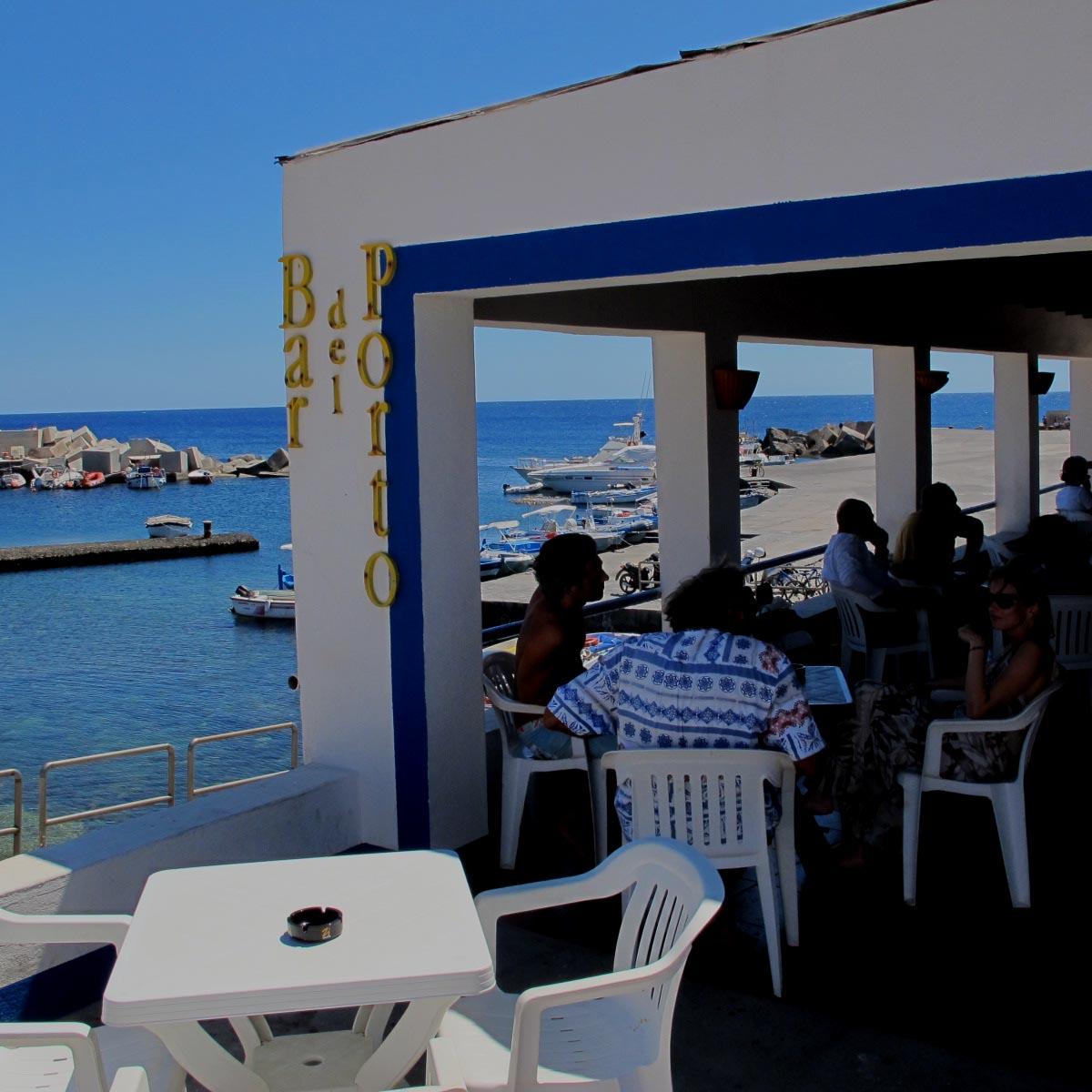 Linosa bar del porto