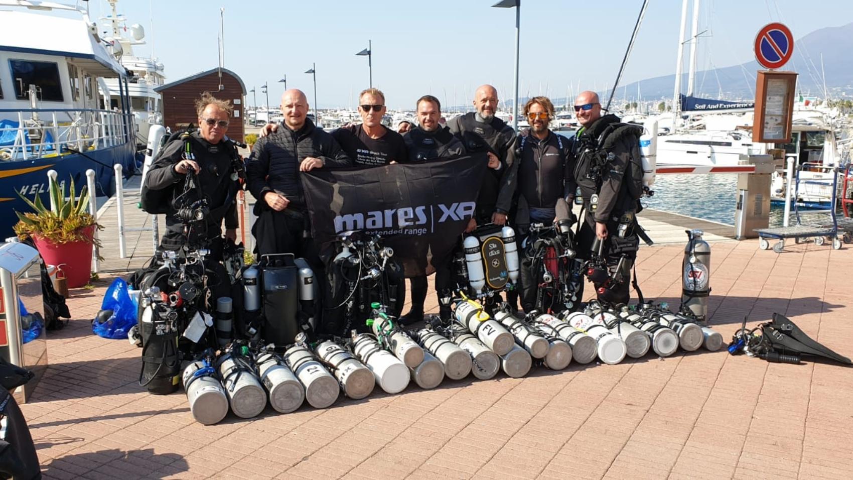 xr-weeck-tour-18-team