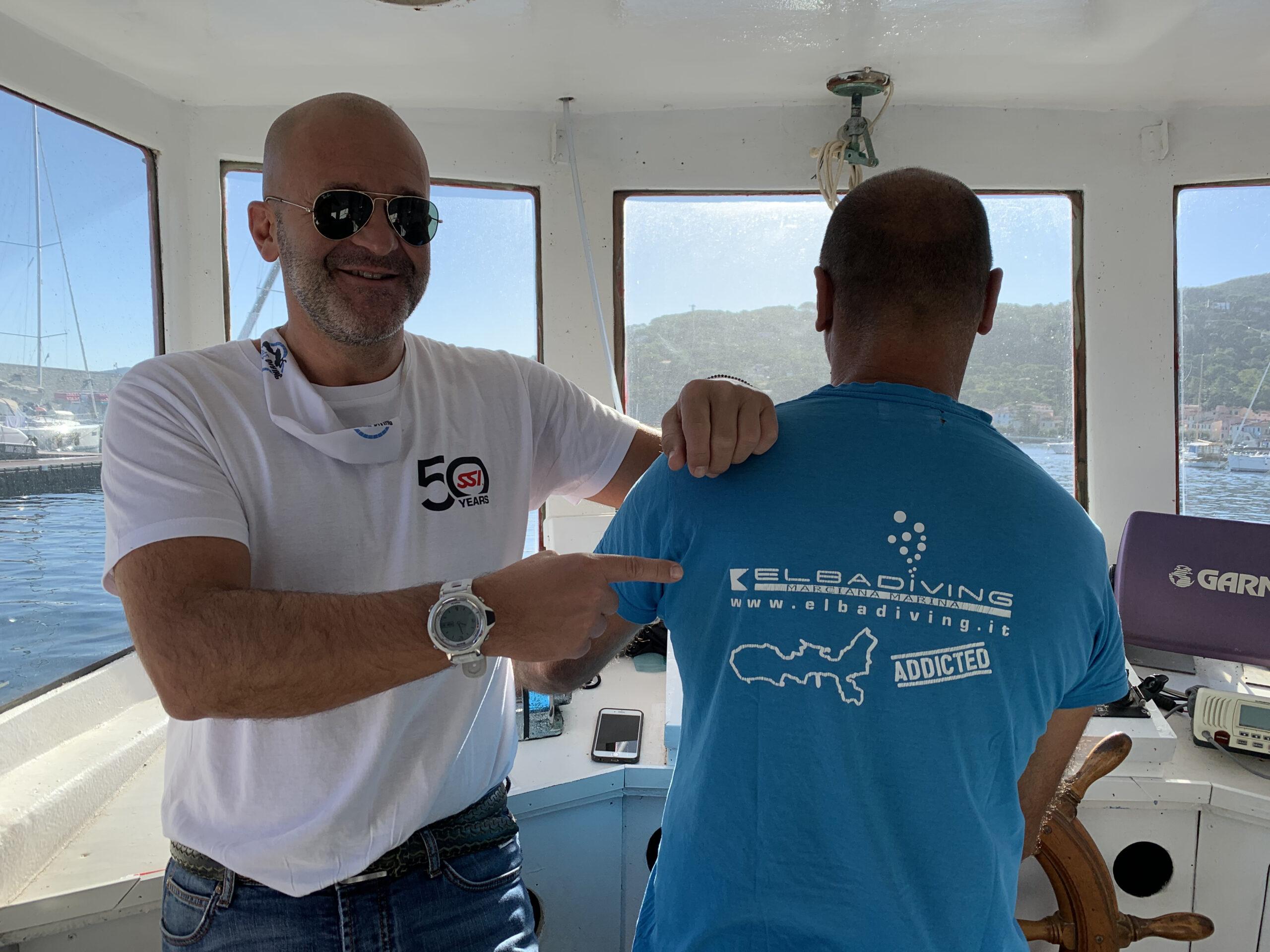 Sono all'Elba Diving, un diving center storico dell'Isola d'Elba, a due passi dal porto di Marciana Marina. Lo gestisce un caro amico subacqueo, Fabio Agostinelli. Mi accompagnerà alle Formiche della Zanca.