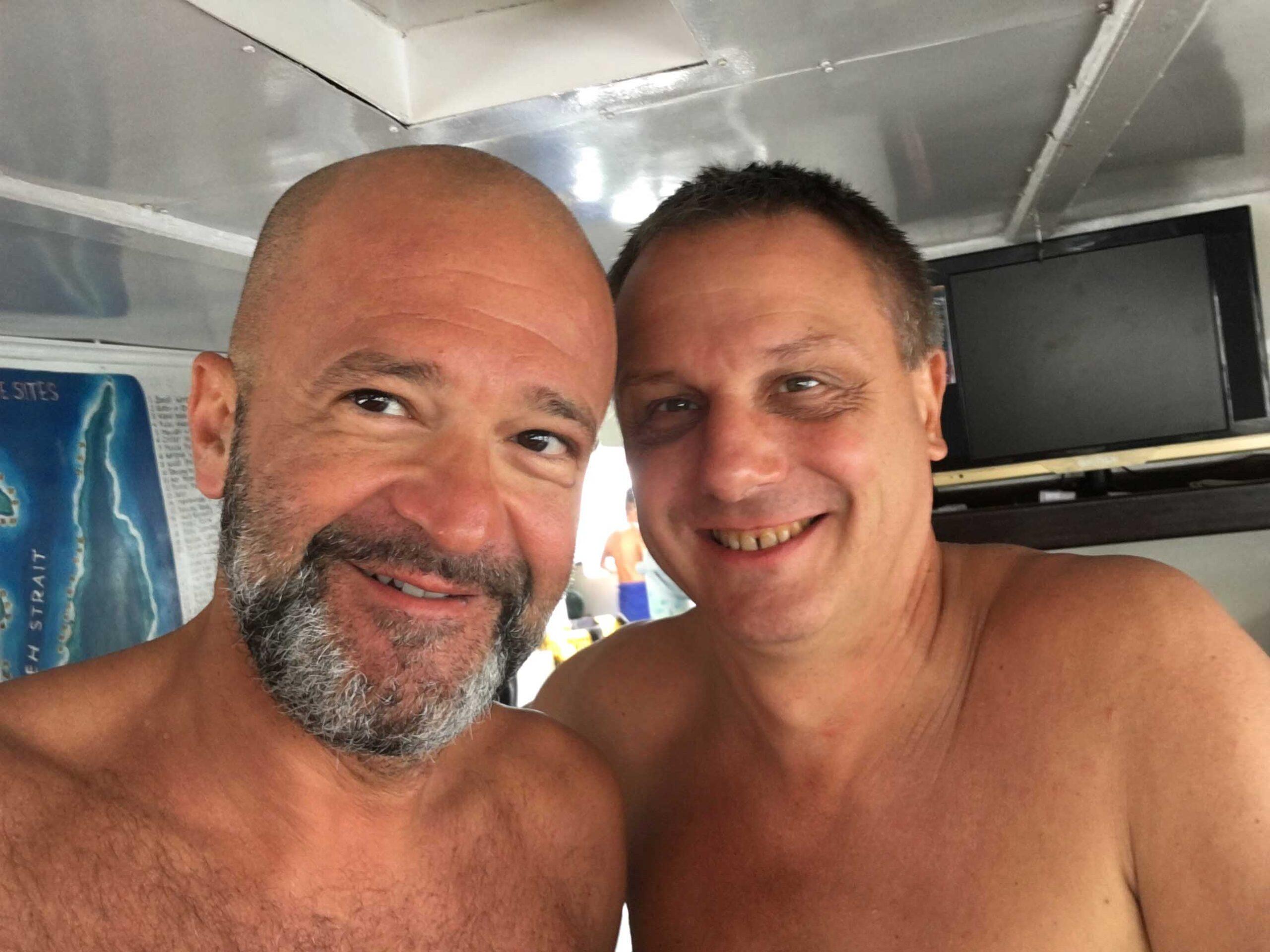 """Io e Andrea Bensi, Benny per gli amici, o semplicemente """"Lo Zio"""". Lo aspettavano a Manado, nel Nord Sulawesy, dove era appena diventato partner di Celebes Divers che gestiva un paio di diving center con annessi resort per i subacquei."""
