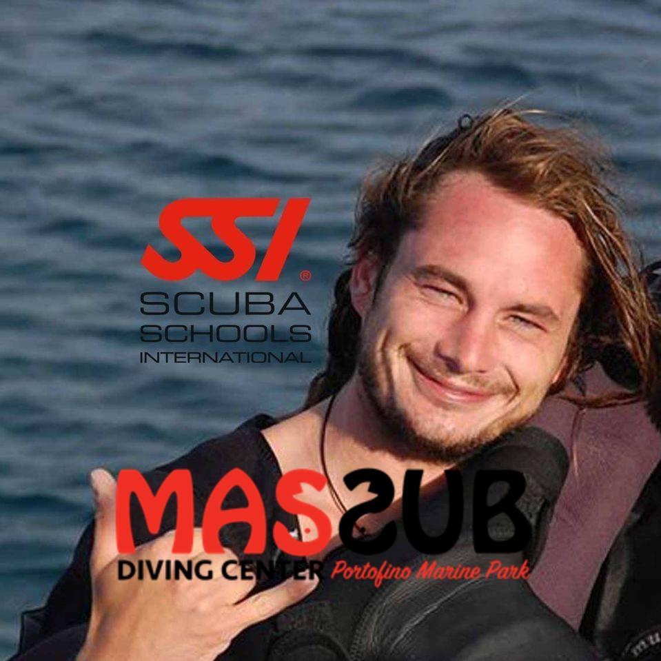 Alessandro Boschi: MASSUB diving center Portofino