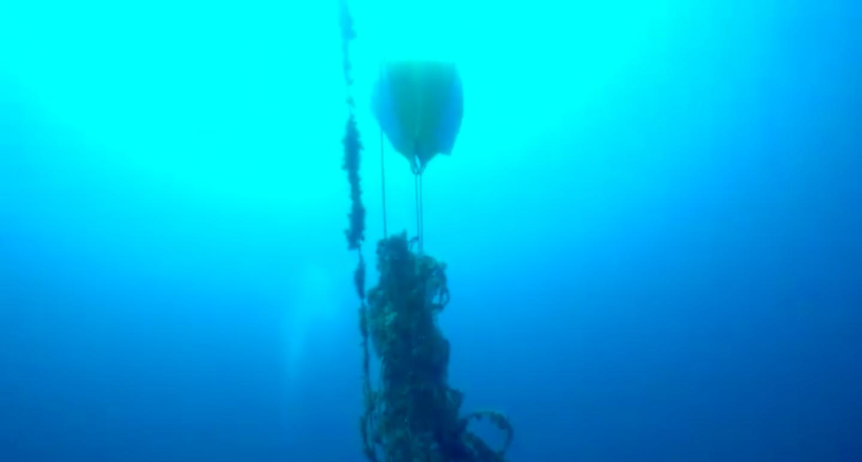 La rete fantasma di Isola delle Femmine: il pallone la traina in superficie